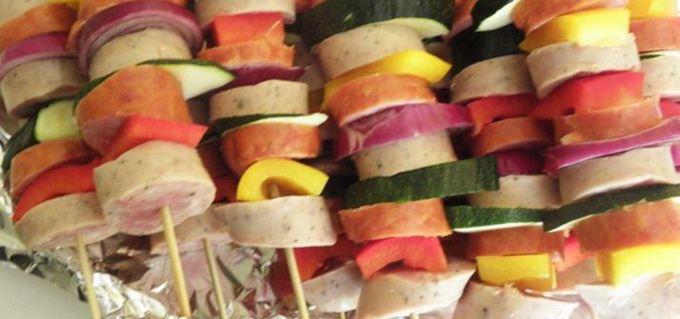 Szaszłyki na grill z białą kiełbasą. (autor: ewa104)