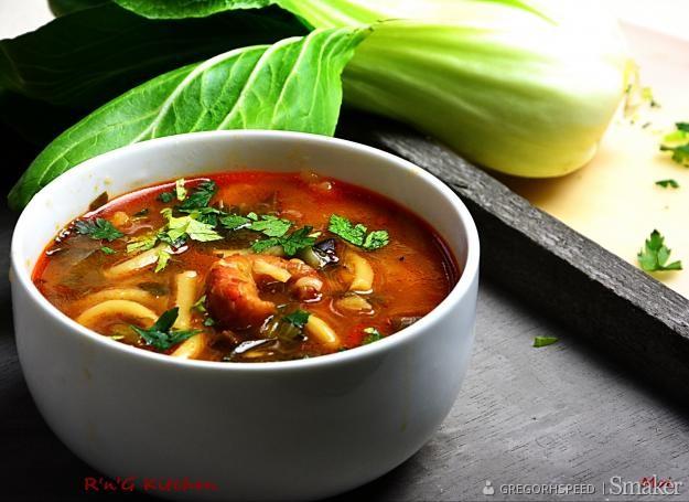 Zupa z krewetkami i kapustą pak choi