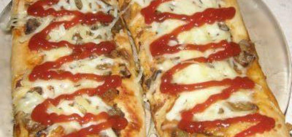 Pizza, ciasto na pizzę (autor: ewelina38)