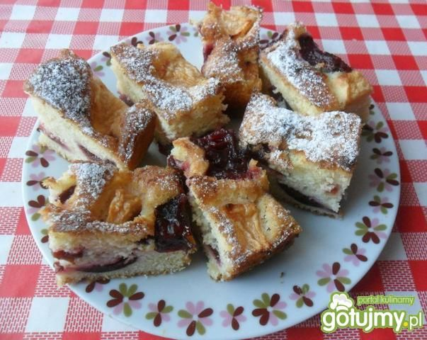 Przepis  ciasto na maślance z owocami przepis