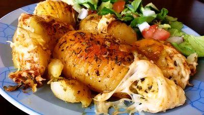 Młode ziemniaki pod serem