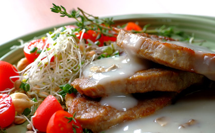 Schabowe steki z pieczarkowym sosem