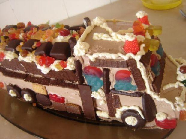 Przepis  tort  autko ciężarowe  mojego synka przepis