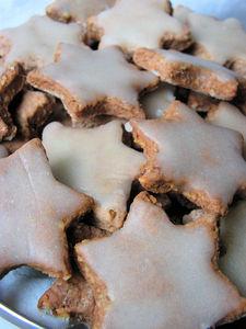 Muszkatołowe ciasteczka w polewie cytrynowo
