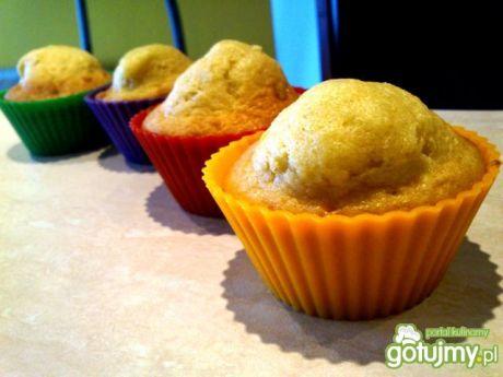 Przepis  muffiny jogurtowe z polewą bananową przepis