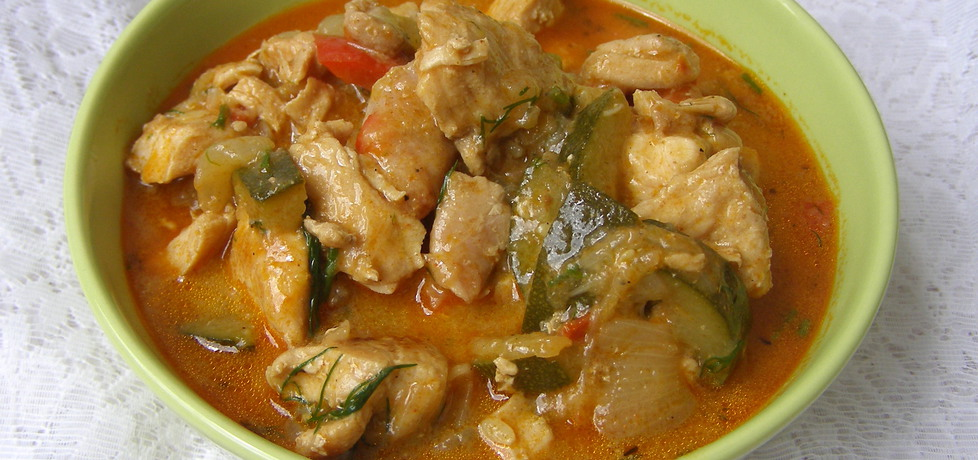 Lekki gulasz warzywny z kurczakiem... (autor: w-mojej