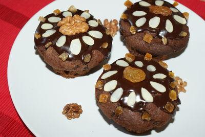 Czekoladowe muffinki z bakaliami