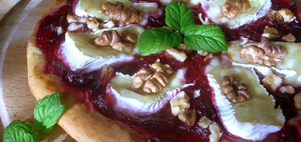 Pizza z camembertem i żurawiną (autor: smacznapyza ...