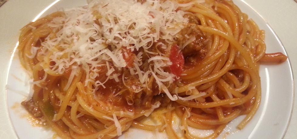 Spaghetti z wołowiną i startym serem grana padano (autor: bertpvd ...