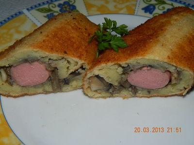Parówki z ziemniakami i pieczarkami w waflach tortowych ...