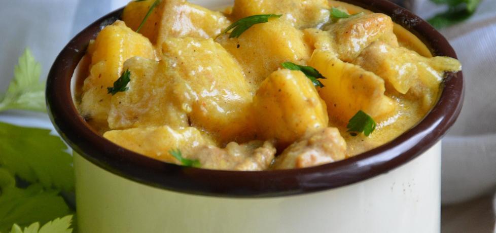 Orientalny gulasz wieprzowy z plantanem (autor: szczyptachili ...