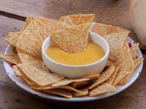 Sos serowy do nachos  prosty przepis i składniki