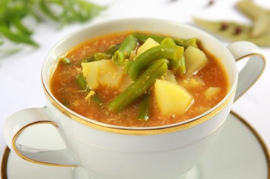 Zupa z fasolki szparagowej i ziemniaków