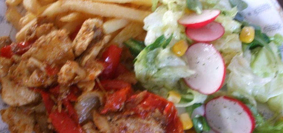 Kebab drobiowy na talerzu (autor: olkaaa)