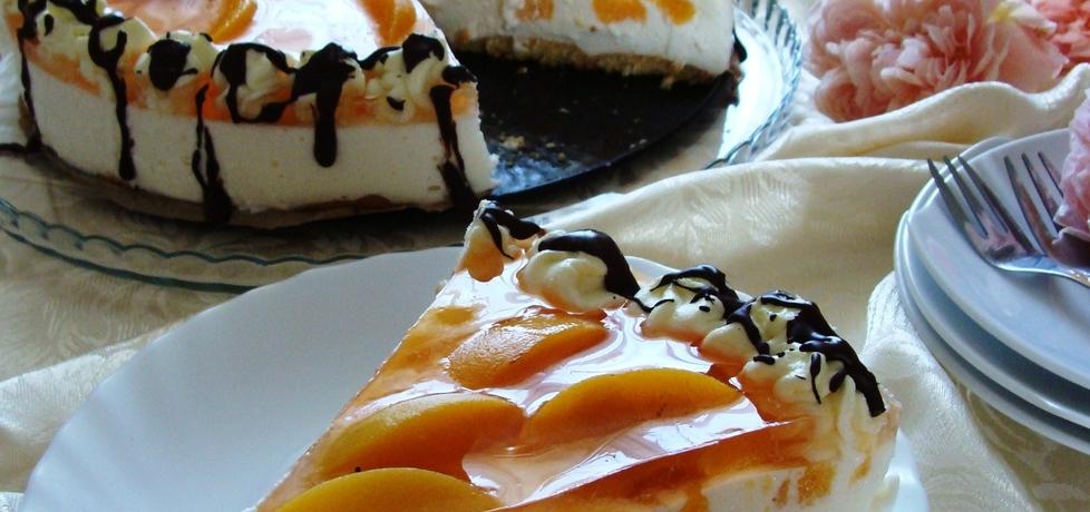 Szampański tort z brzoskwiniami (autor: 2milutka)