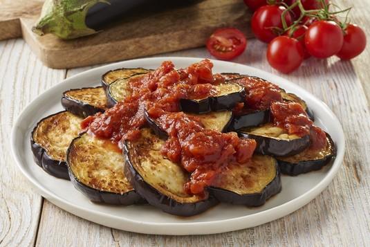 Bakłażan z sosem pomidorowym