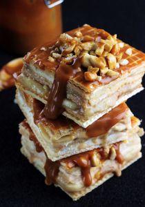 Ciasto snickers z bananami, karmelem i orzechami ...