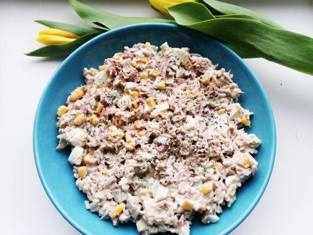 Przepis  sałatka z tuńczykiem i ryżem przepis