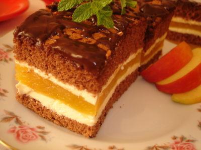 Ciasto biszkoptowe z jabłkami i kremem budyniowym ...