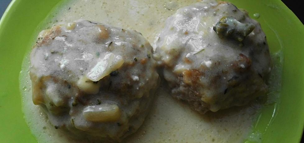 Kotlety mielone pieczone w sosie serowo