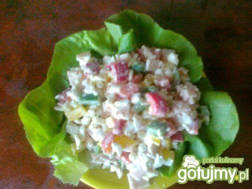 Śniadaniowa sałatka z serkiem wiejskim (bez majonezu)