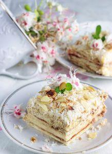 Ciasto na herbatnikach z kremem budyniowym, powidłami i ...