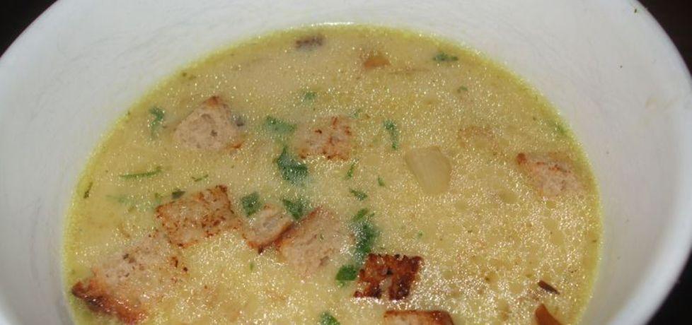 Zupa cebulowa z grzankami i kiełbasą chorizo (autor: olkaaa ...