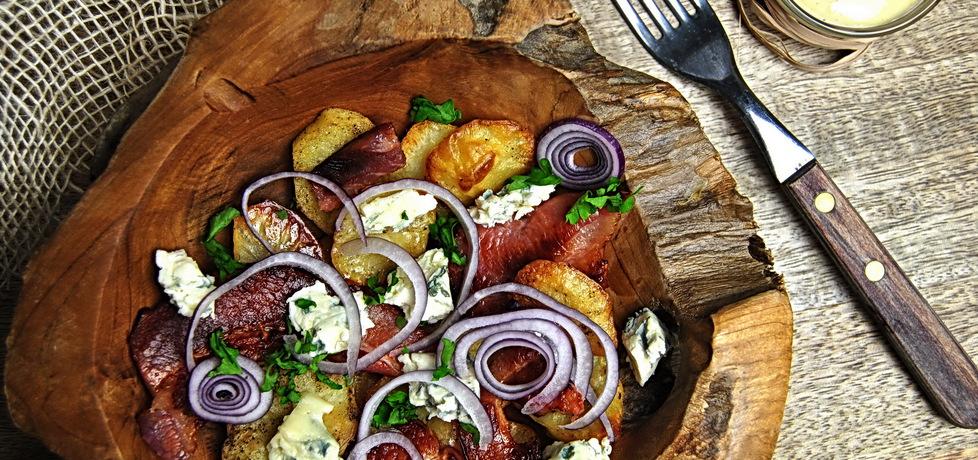 Ziemniaki zapiekane z bekonem i serem pleśniowym (autor: rng ...