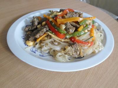 Wołowina po chińsku z trawą cytrynową
