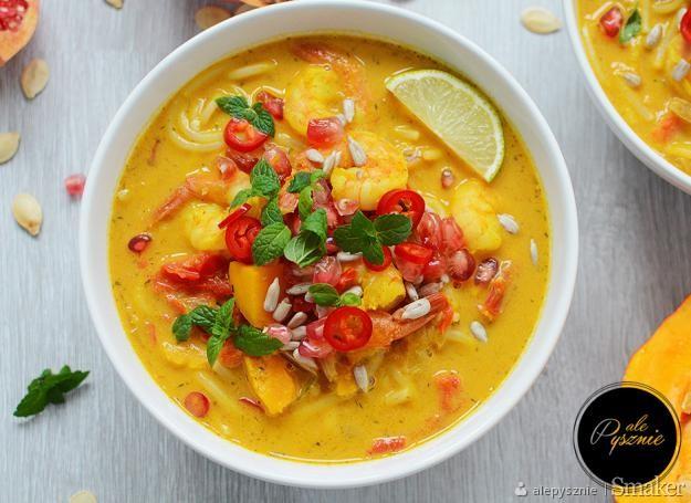 Zupa dyniowa po tajsku z krewetkami