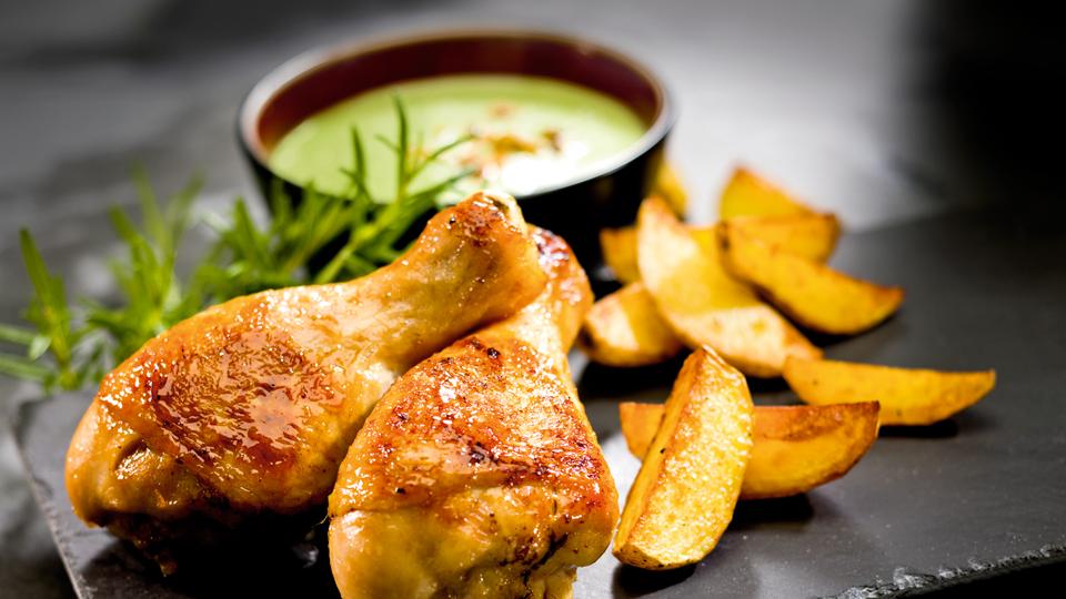 Przepis na kurczaka w miodzie z chłodnikiem