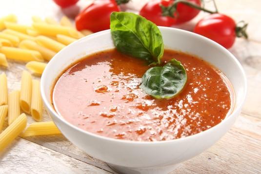 Klasyczny włoski sos pomidorowy