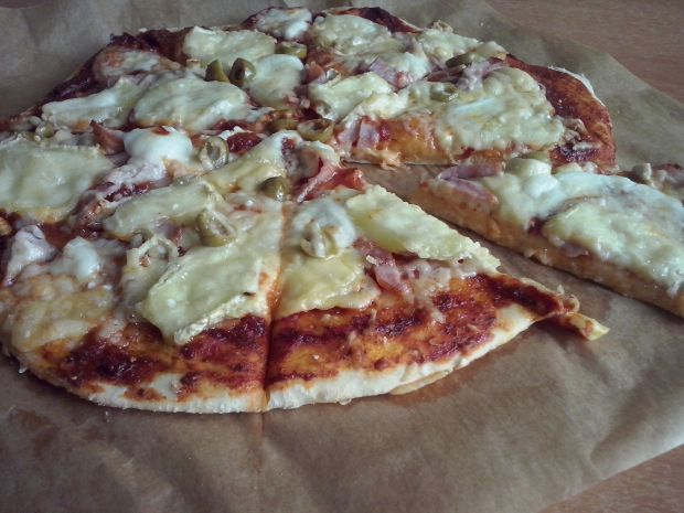 Przepis  cztery sery  pizza na cienkim cieście przepis