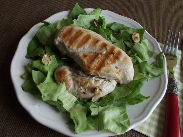 Przepis  grillowana pierś z kurczaka z czosnkiem przepis