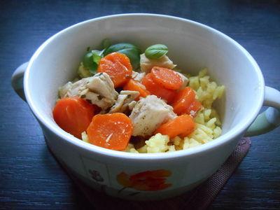 Ryż z duszoną marchewką i kurczakiem