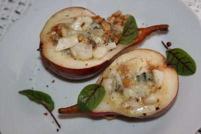 Gruszki zapiekane z serem pleśniowym