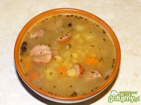 Przepis  zupa grochowa z boczkiem i kiełbasą przepis