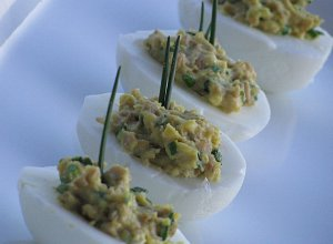 Jajka faszerowane pieczarkami  prosty przepis i składniki