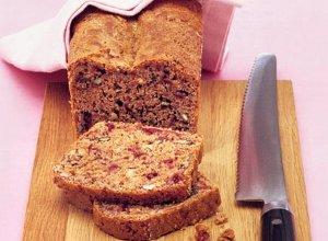 Pyszny dietetyczny chleb z żurawiną i orzechami