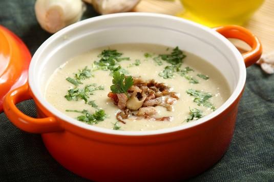 Zupa ziemniaczano-pieczarkowa z boczniakami