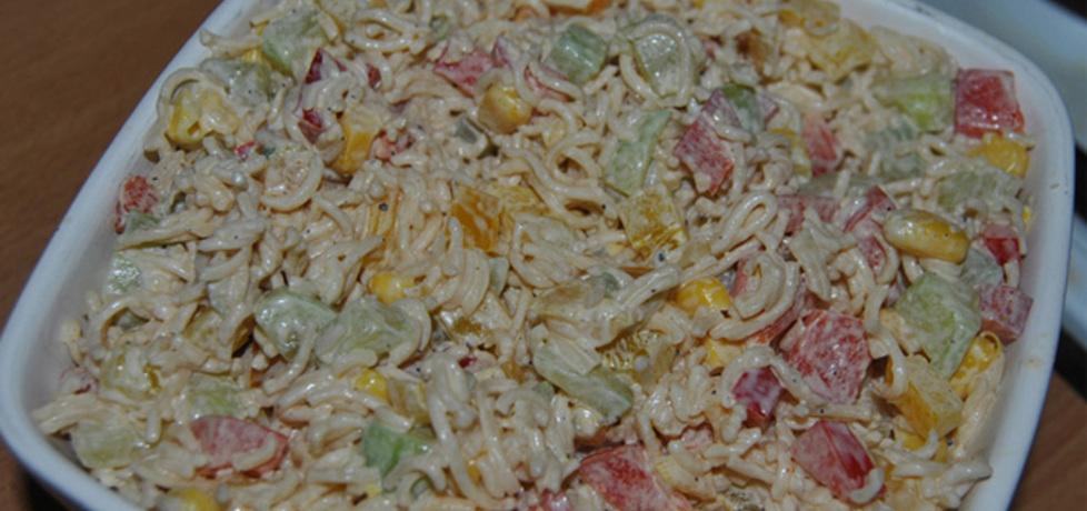 Sałatka z zupek chińskich (autor: emylka86)