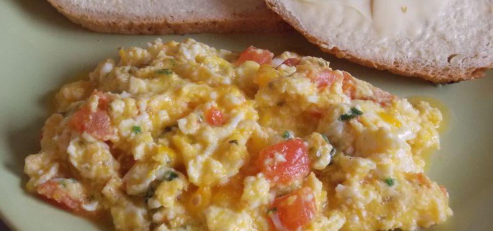 Jajecznica z pomidorami na szczypiorku (autor: aneta8185 ...