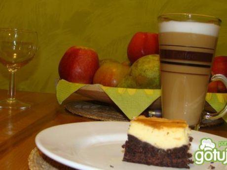 Przepis  puszysty sernik na kakaowym spodzie przepis