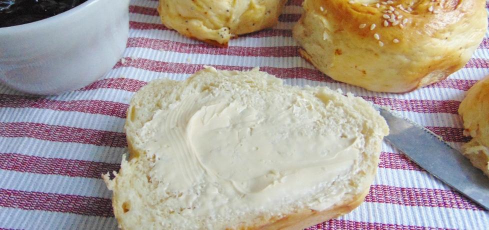 Śniadaniowe bułeczki z pikantną skórką (autor: izabela9 ...
