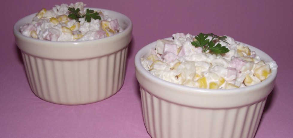 Ryżowa sałatka z szynką, żółtym serem i ananasem (autor: konczi ...