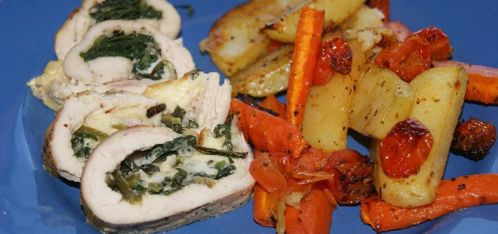 Pierś ze szpinakiem i serem z pieczonymi warzywami (autor ...