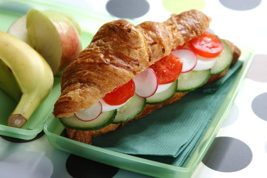 Słoneczne kanapki z warzywami do szkoły