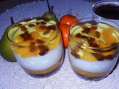 Pyszny deser brzoskwiniowy