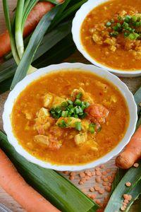 Zupa curry z czerwoną soczewicą i kurczakiem