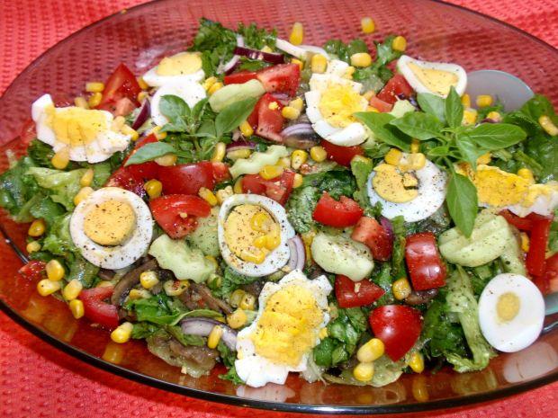 Przepis  sałatka z pieczarkami i jajkiem przepis